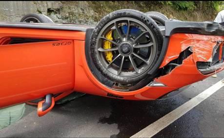 北宜公路又傳車禍 近千萬Porsche 911 GT3 RS翻覆幾全毀