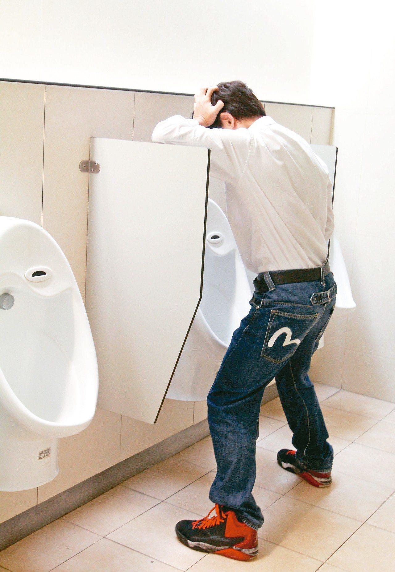 有患者下體疼痛,原來是結石卡在輸尿管上端。 圖/聯合報系資料照片