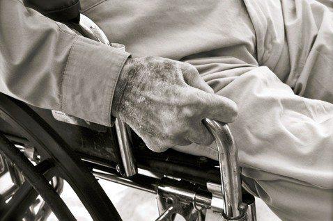 在各界關注善終權益的強烈需求下,病人自主權利法於今年1月6日開始施行。圖/pix...