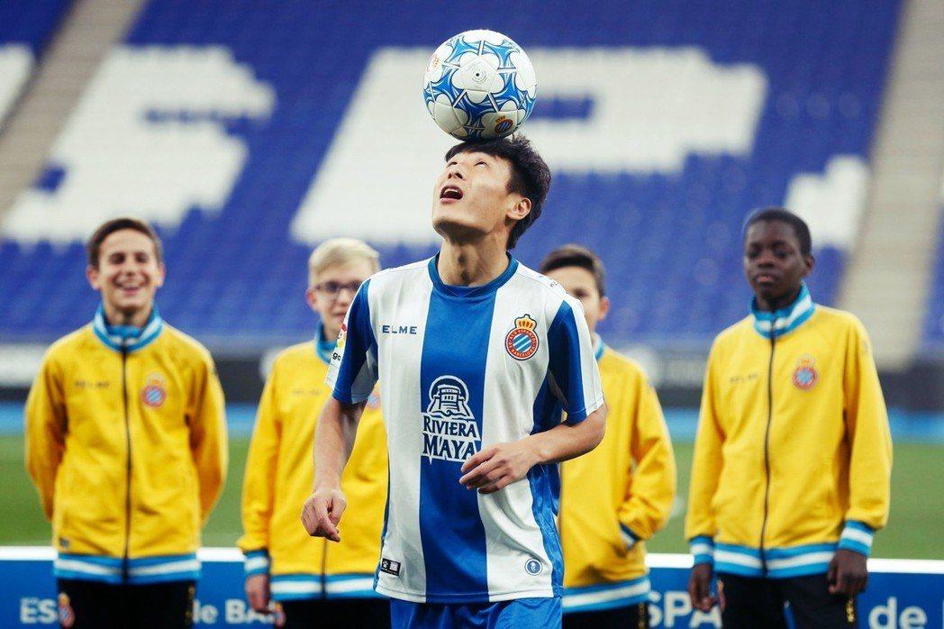 登陸西甲的武磊,28歲的年齡其實不具發展優勢,;過往亞洲足團隊其天賦的評價,也並...