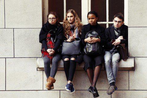法國從今年秋天新學年起,將大幅調漲「非歐盟學生」學費。馬克宏這項「歡迎留法」(B...