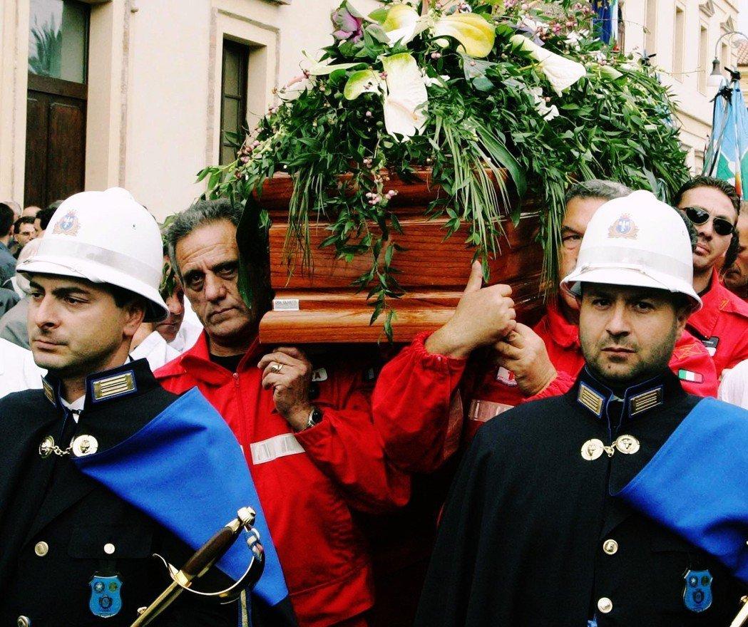2005年卡拉布里亞的議會副主席、以對抗光榮會聞名的Francesco Fort...