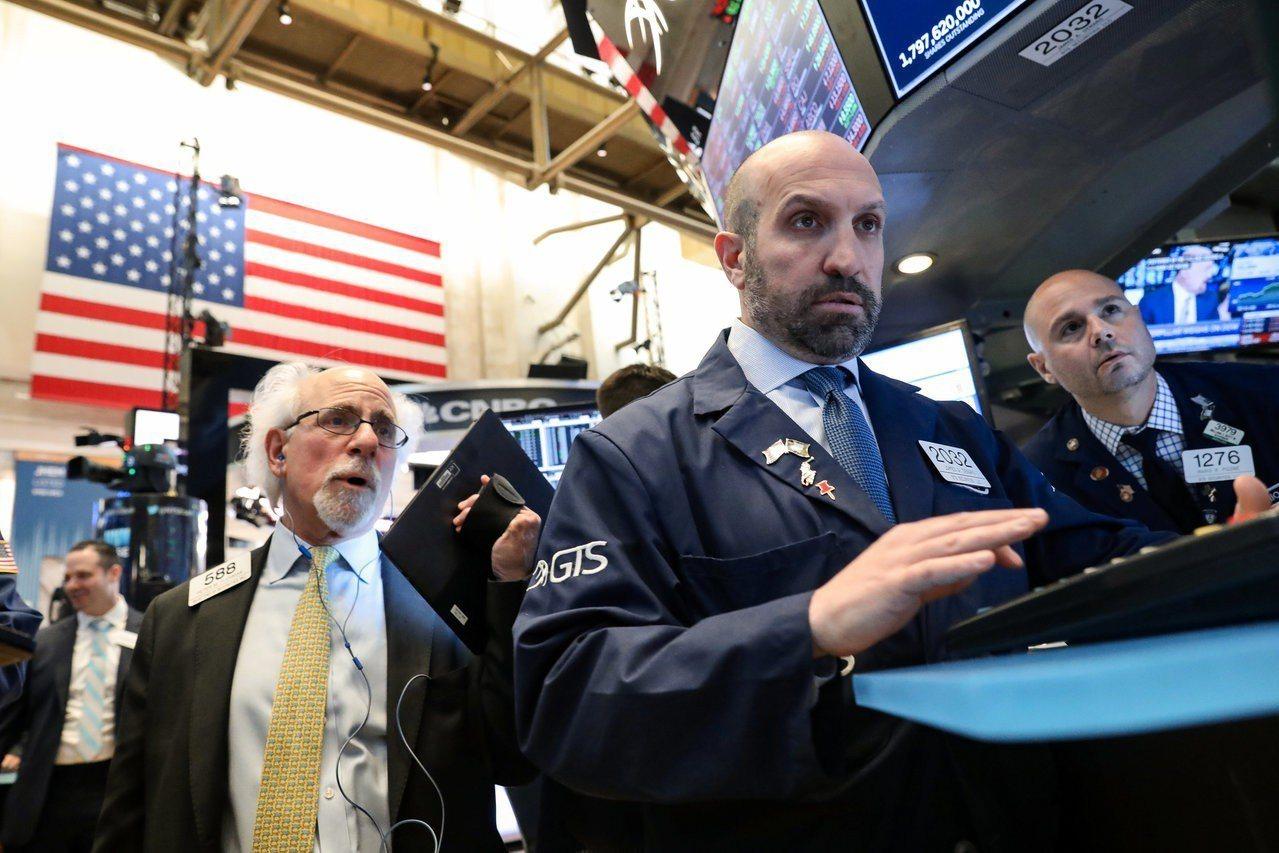 企業財報強勁,美中貿易協議有望達成,助美股周一突破歷史高點。 路透