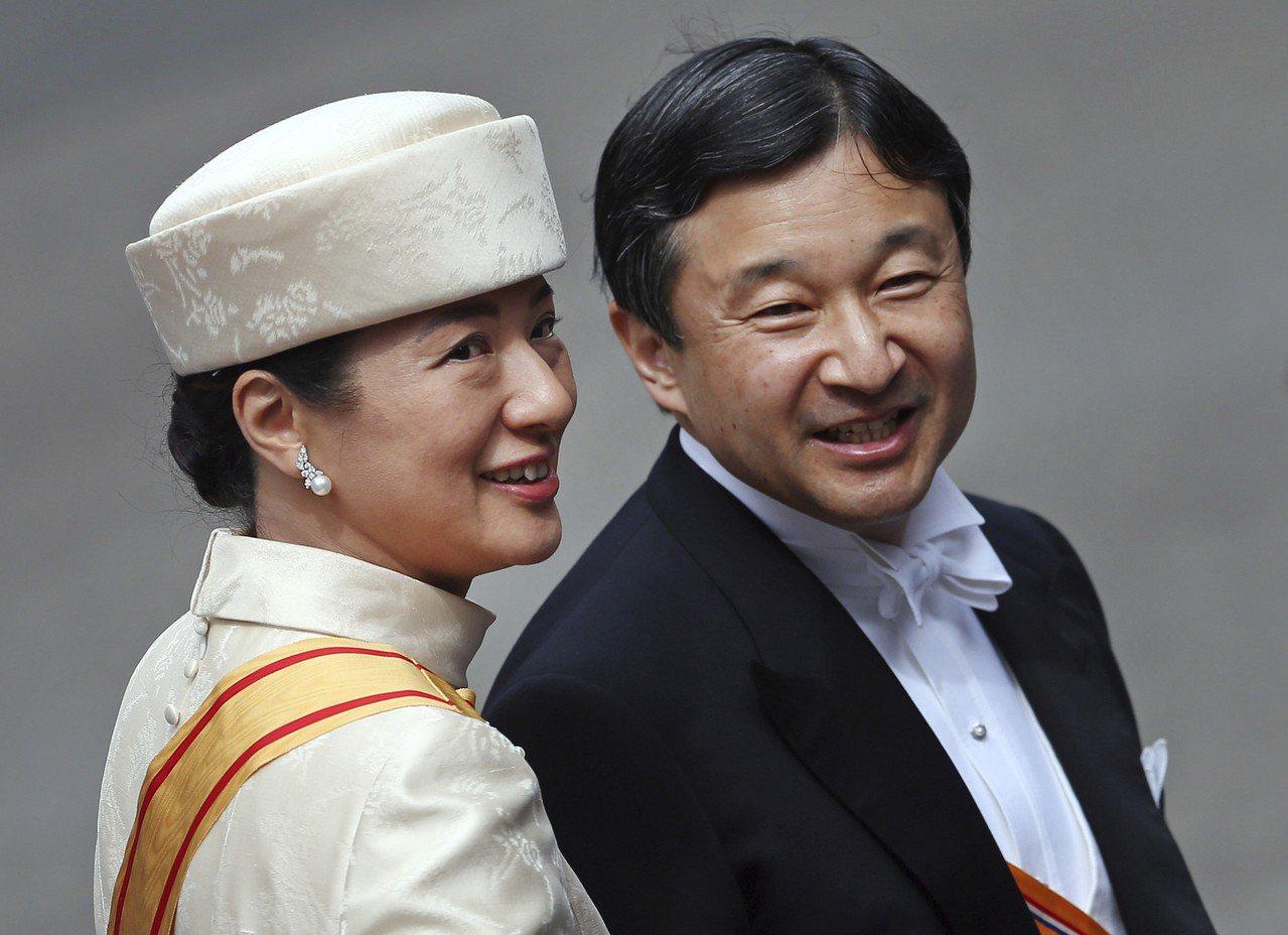 日本皇太子德仁將於5月1日即位,皇太子妃雅子卻不准出席即位大典。圖為兩人2013...