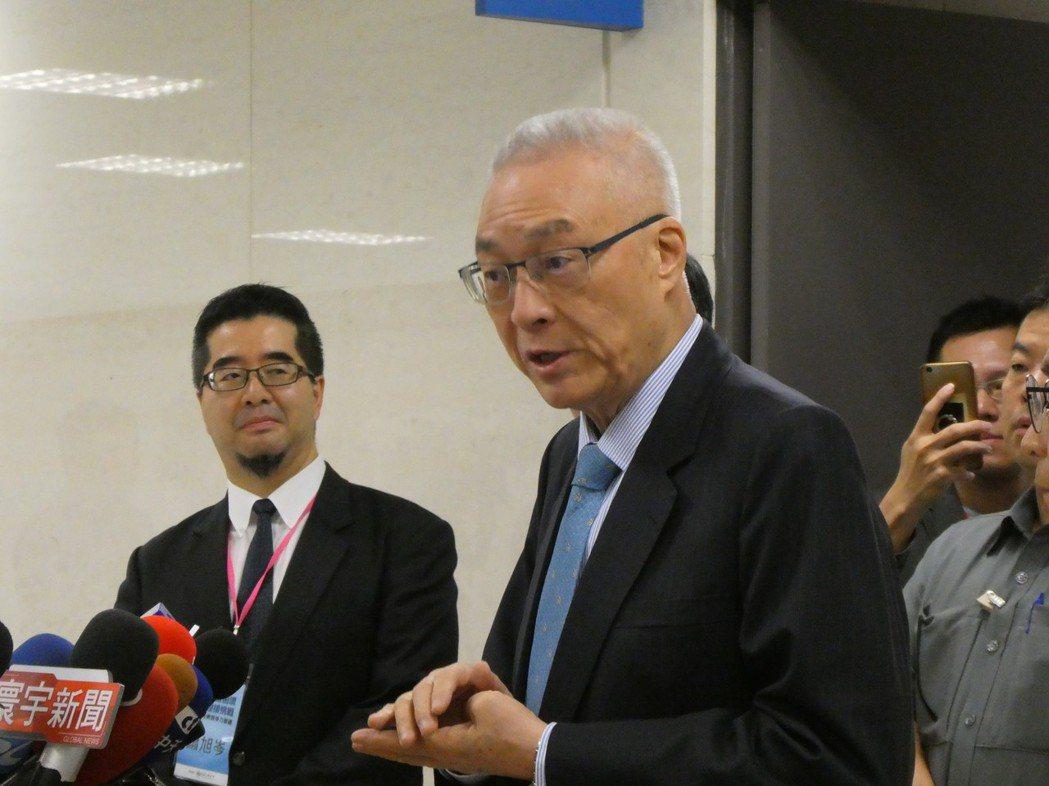 宣稱以一瓶礦泉水打高雄市長選戰的高雄市長韓國瑜,近日選舉募款金額受關注。國民黨主...