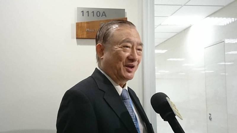 經濟部前部長尹啟銘在臉書上發文,痛批疾管署「口罩限購」是顧此失彼之策。(資料照)記者周志豪/攝影