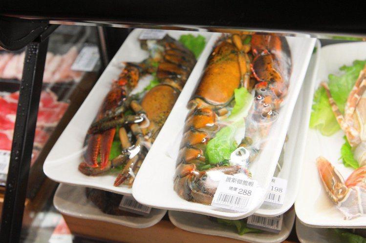 波士頓龍蝦是祥富水產的明星商品之一。記者陳睿中/攝影