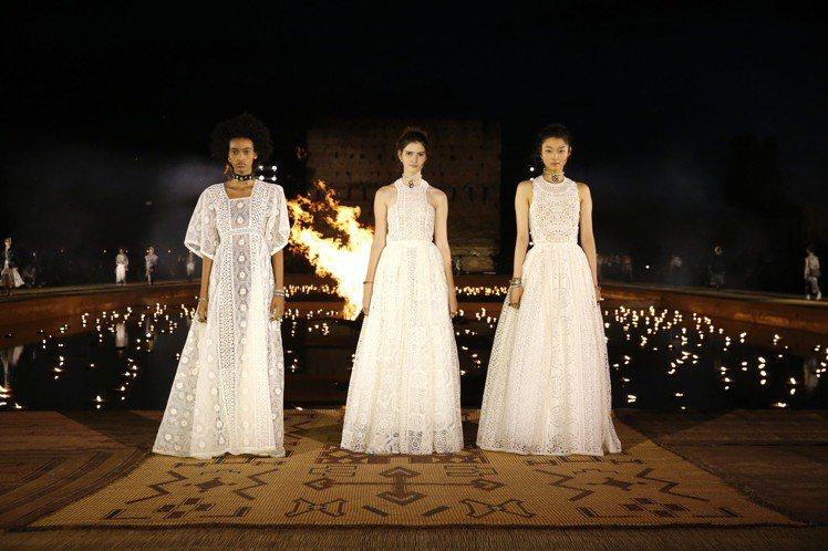 DIOR 2020早春系列以原色真絲、絲絹布以及山東綢等面料呈現。圖/DIOR提...