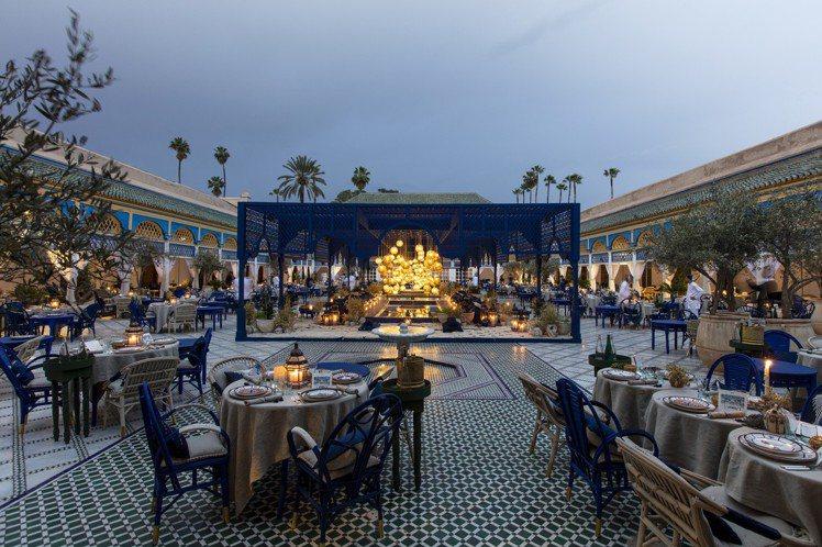DIOR 2020早春選址在摩洛哥馬拉喀什的巴迪皇宮發表,場地氣勢磅礡。圖/DI...