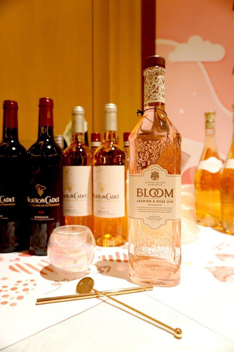 Bloom花漾粉紅琴酒,浪漫的粉色很是討喜。圖/橡木桶洋酒提供【未成年請...