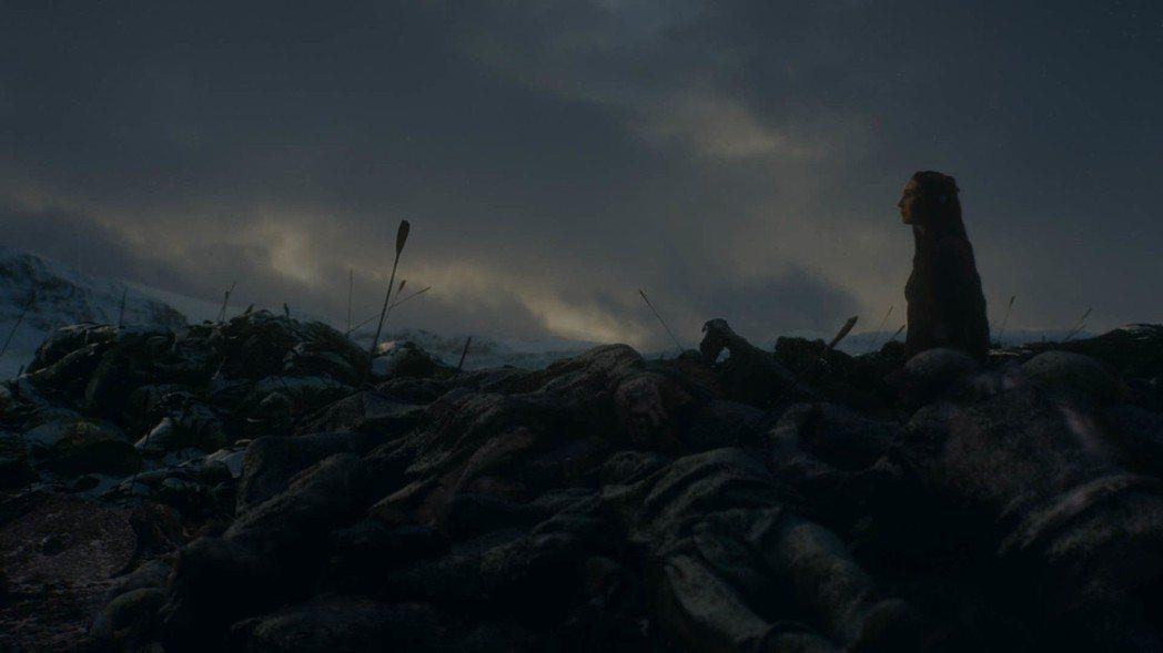 「冰與火之歌:權力遊戲」再創膾炙人口的經典場面。圖/摘自HBO