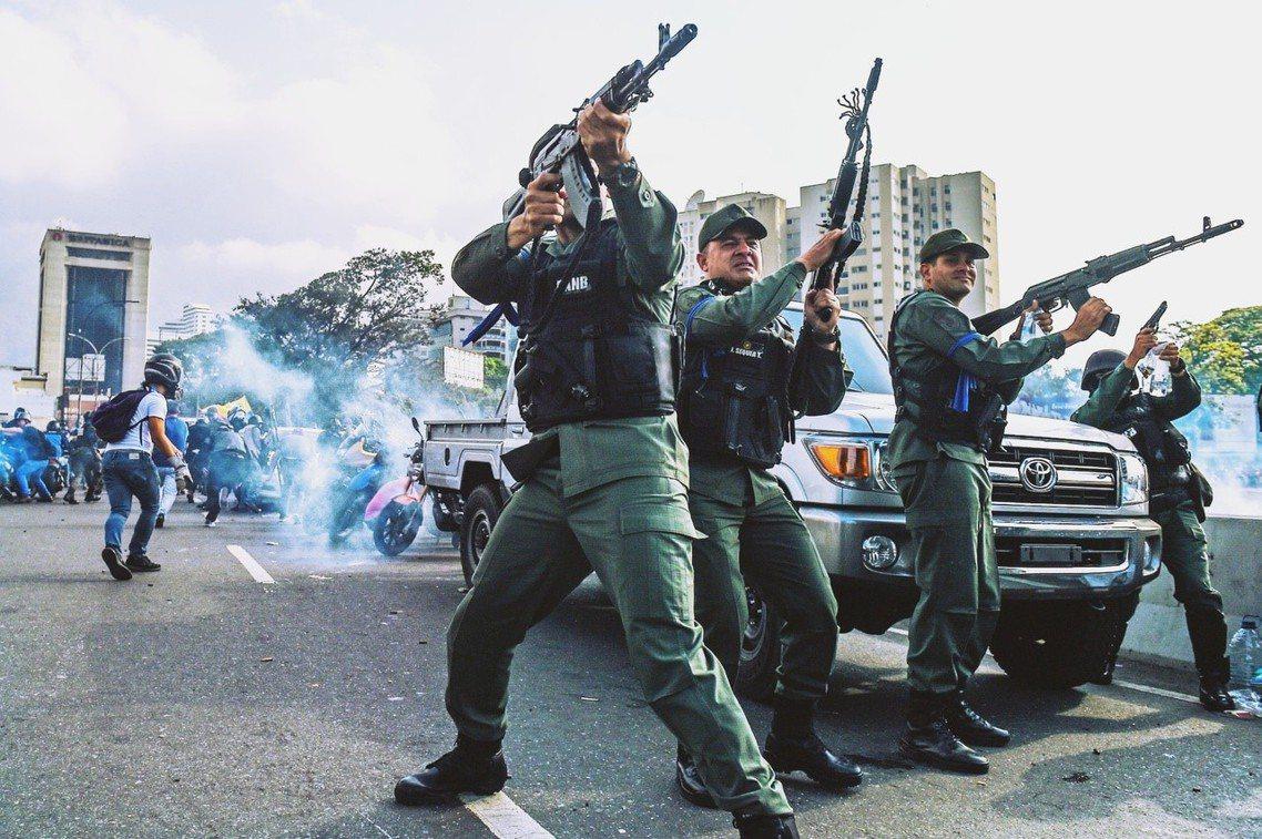 瓜伊多的起義軍。 圖/法新社