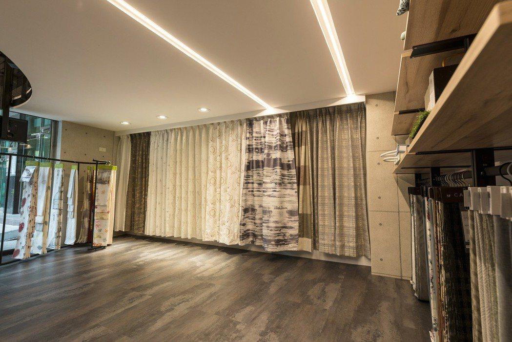 馬薩喬傢飾藝術商品項目有:布簾、捲簾、調光簾、百葉窗簾、電動窗簾、各式壁紙、沙發...