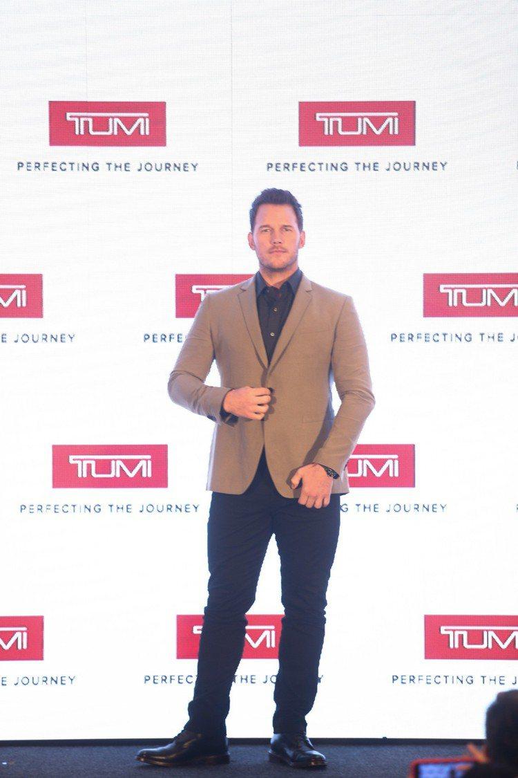 「星爵」Chris Pratt就為了TUMI獻出香港的處女行,並還要在當地拍形象...
