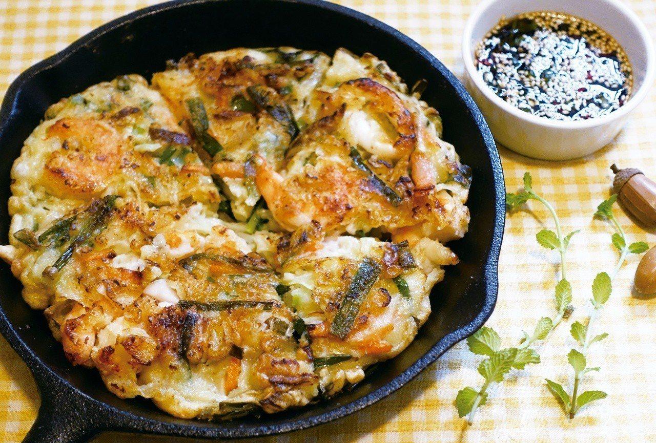 簡便卻澎湃的海鮮煎餅,是能快速上桌的美味。圖/太陽臉