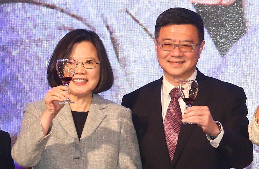 總統蔡英文(左)與民進黨黨主席卓榮泰(右)。圖/聯合報系資料照片