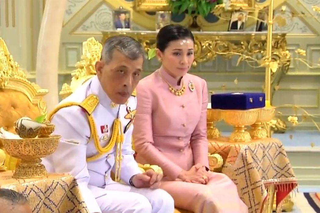 泰國王室公報1日宣布,泰王已和蘇提妲結婚,她將成為新后。(法新社)