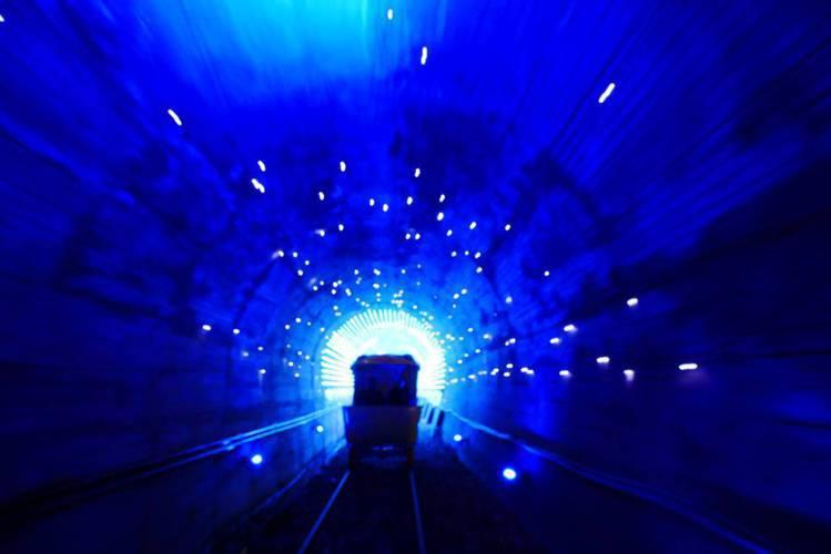 東北角的「深澳鐵道自行車」(RailBike),是能在鐵軌上騎車的全新體驗,並設...