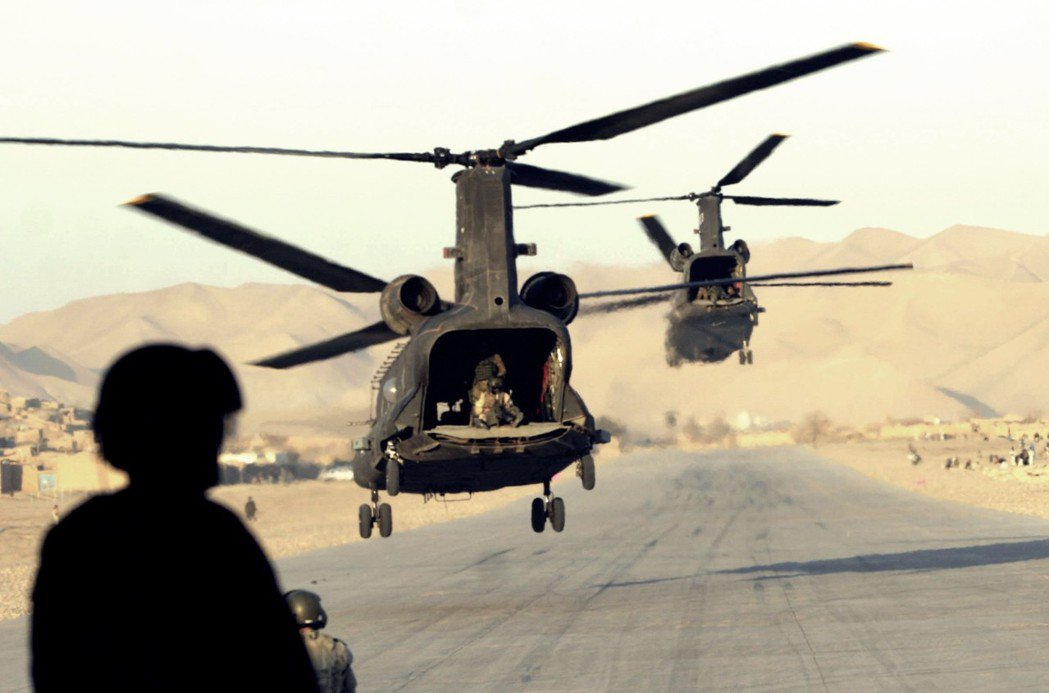 911事件後,美國藉反恐名義,進入阿富汗圍剿塔利班與賓拉登。但在推翻塔利班後,卻...
