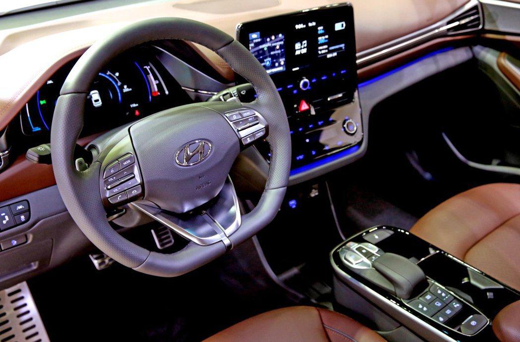 小改款Hyundai Ioniq Electric 內裝配置與其他兩款電動車型相...