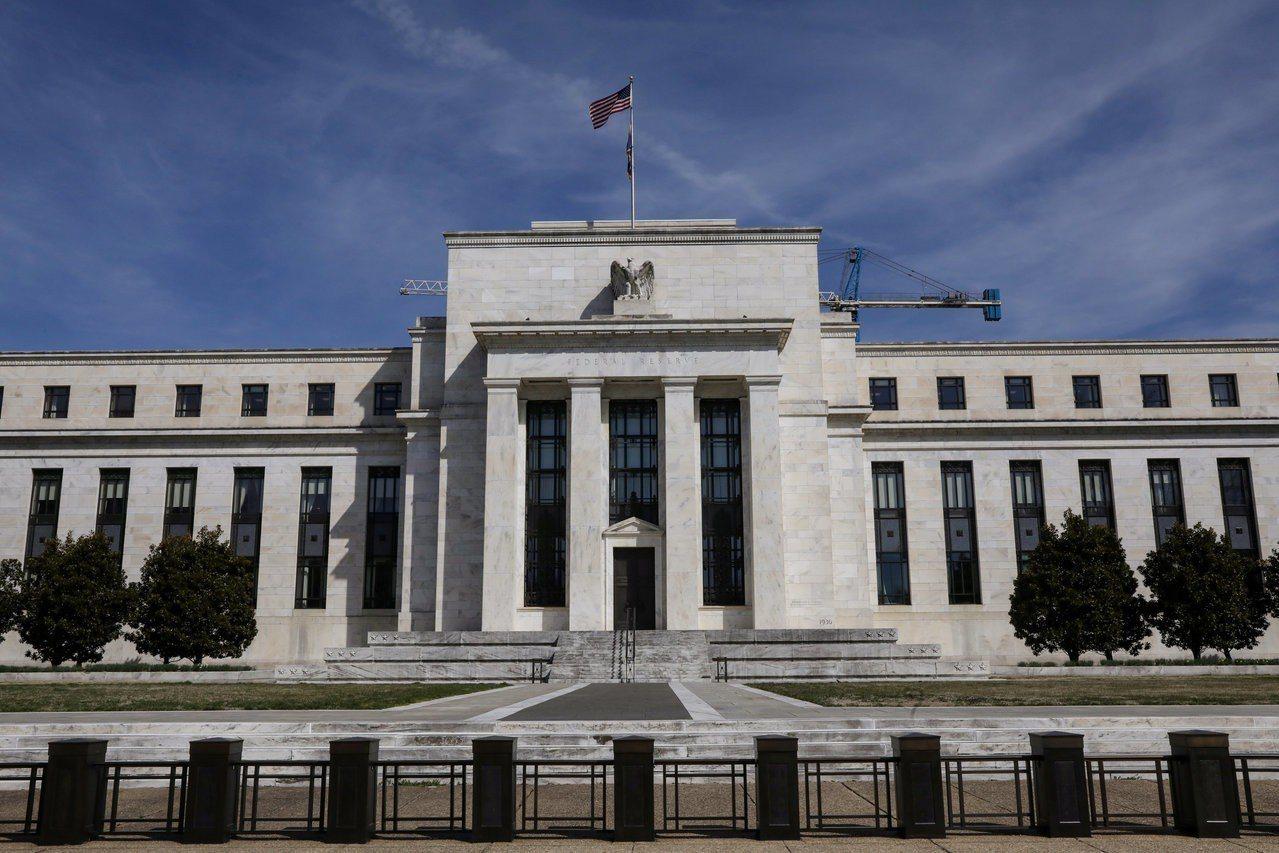 聯準會(Fed)淡化降息希望,抑制黃金需求。路透