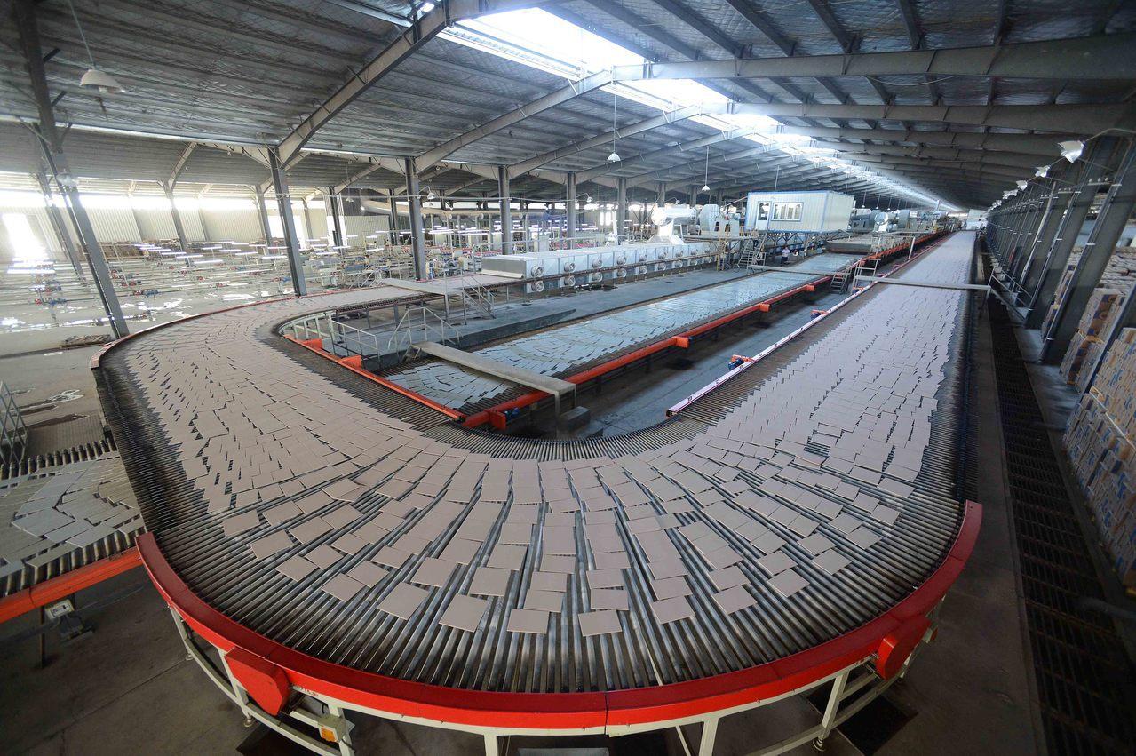 美國將對中國進口瓷磚徵收反補貼稅。 新華社