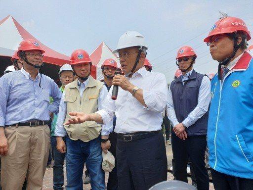 行政院長蘇貞昌日前表示,希望國軍投入救災也像另一種戰爭,除了加強訓練,並規畫設計...