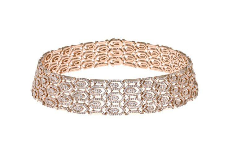 蔡依林配戴Serpenti頂級珠寶系列玫瑰金鑽石項鍊。圖/BVLGARI提供