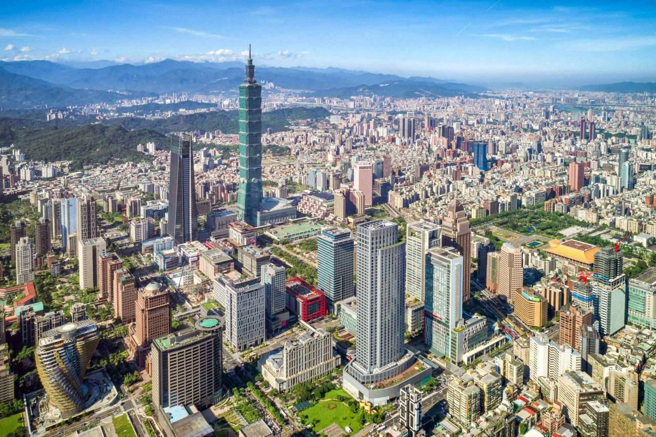 高達77% 受訪的台灣人表示,認為台灣最為熱情好客,來到美麗寶島旅客不妨到指標景...