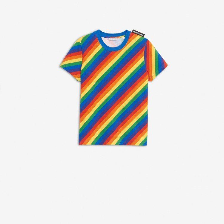 Balenciaga彩虹T恤。圖/摘自官網