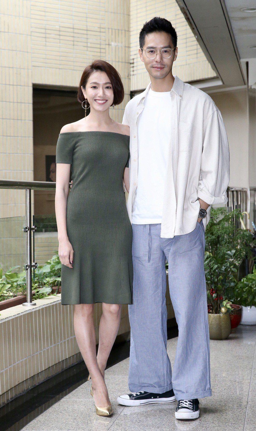 丁春誠(右)與林意箴合作「圈套」。記者許正宏/攝影