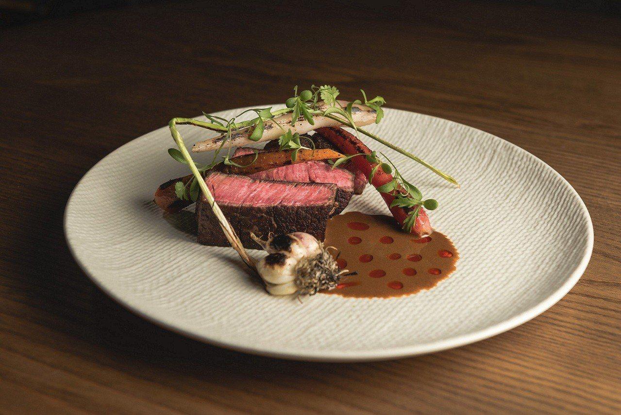 「LONGTAIL」擅長創意無國界料理,帶給味覺全新刺激。圖╱亞洲萬里通提供
