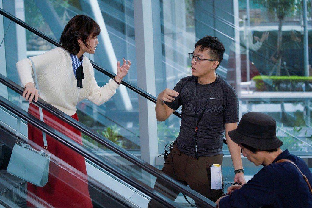 林君陽導演(右)拍完「與惡」後拍「愛情白皮書」看好王淨。圖/東森提供