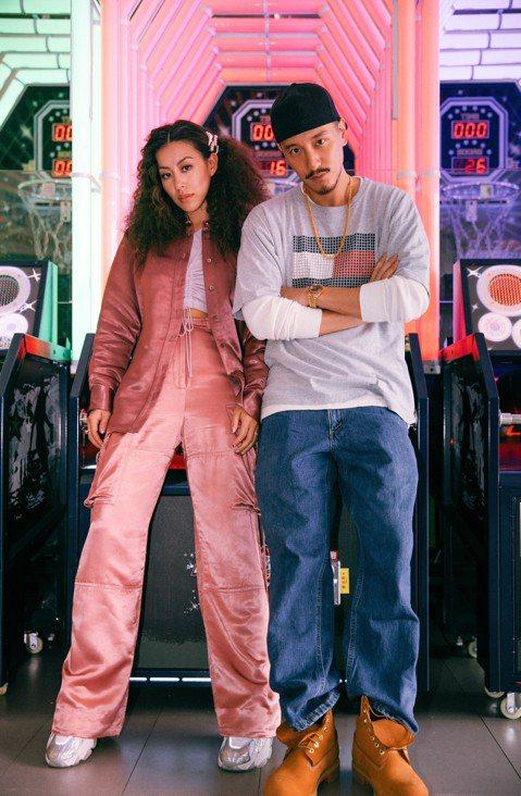 蔡詩芸(Dizzy Dizzo)受到各種音樂類型的啟發,因為Hip Hop、R&B而立下當歌手的志向,在最新單曲「不想逃」唱出內心的90年代靈魂,她說:「滿懷舊那時期的音樂,因而啟發這首歌的...