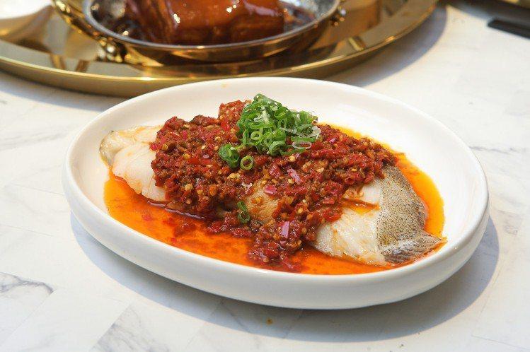 火紅椒滾淋鱈魚,每份398元。記者陳睿中/攝影