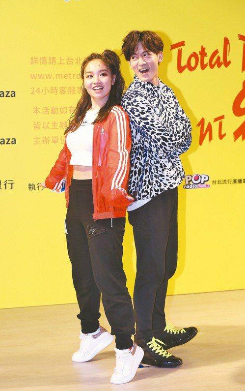 陳芳語(左)、吳思賢代言2019捷運盃街舞大賽。 聯合報系資料照/記者鄭清元攝影