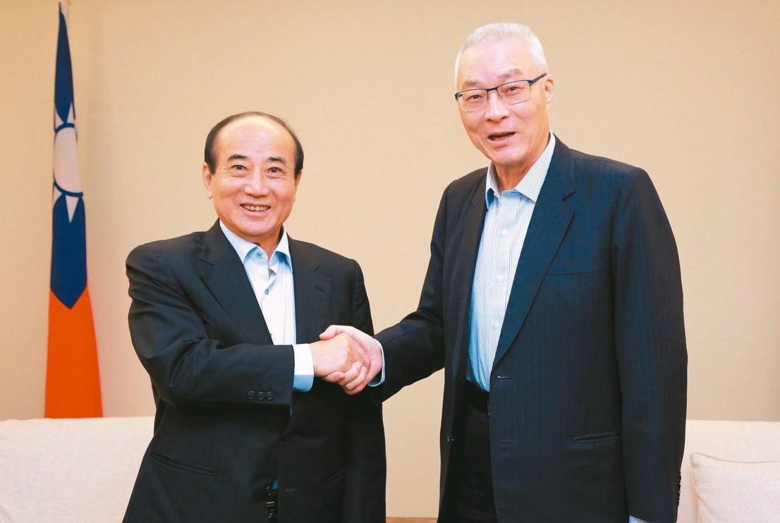 立法院前院長王金平(左)昨天與國民黨主席吳敦義(右)會面討論初選提名制度。 圖/...