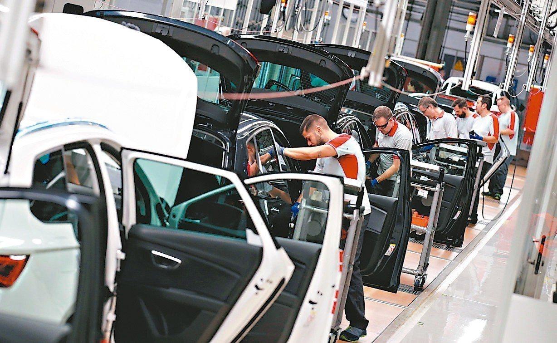 最新採購經理人指數(PMI)顯示,美國4月製造業持續趨緩,歐元區持續萎縮,亞洲部...