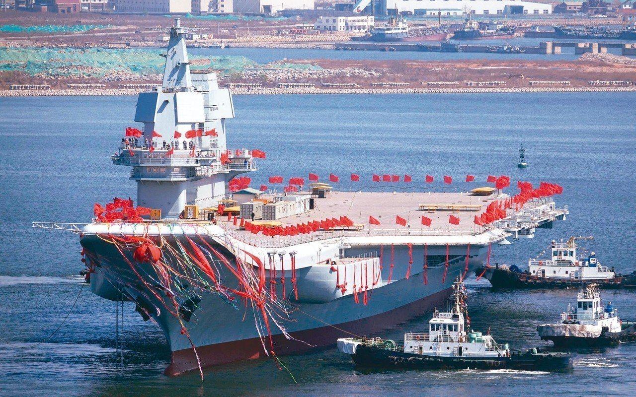 美國國防部發布「2019年中國軍力報告」指出,預計中國首艘自製航母將在今年服役,...