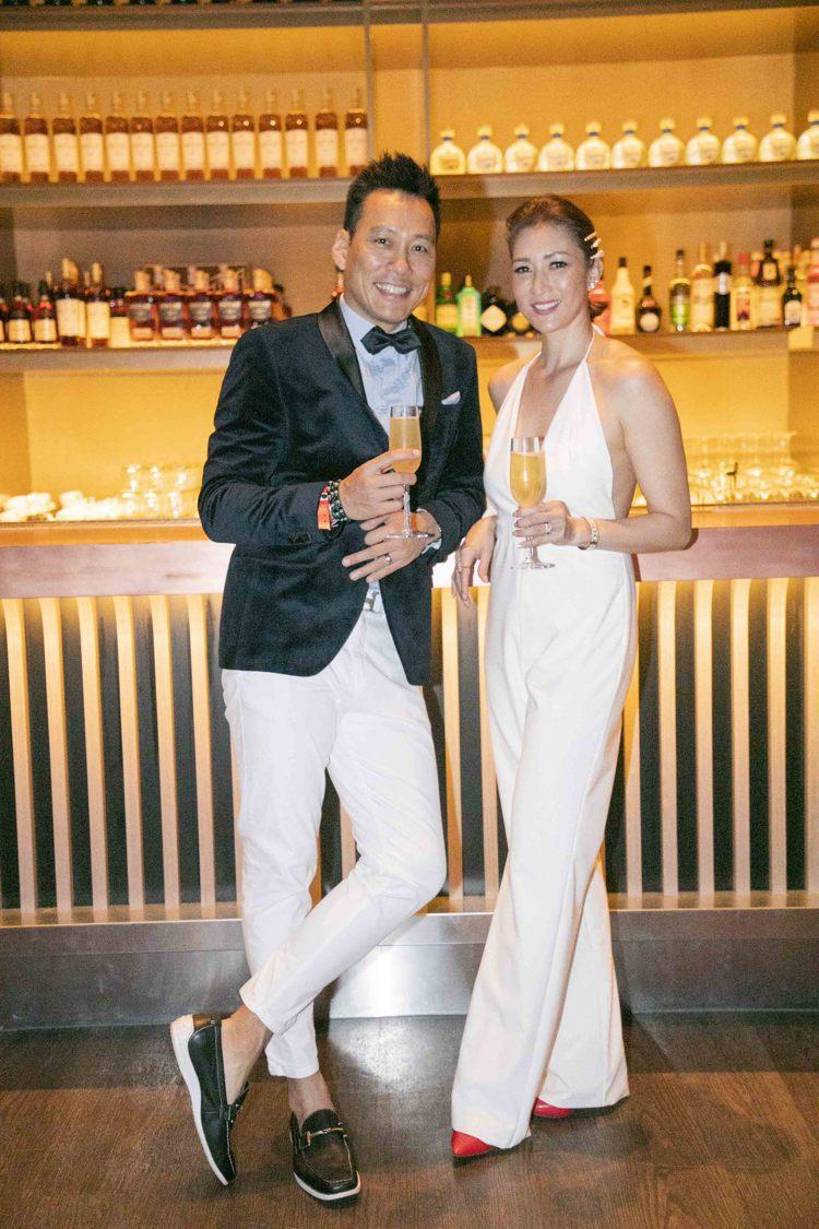 (左)艾力克斯.李詠嫻出席CÉ LA VI Taipei正式開幕派對。圖/業者提...