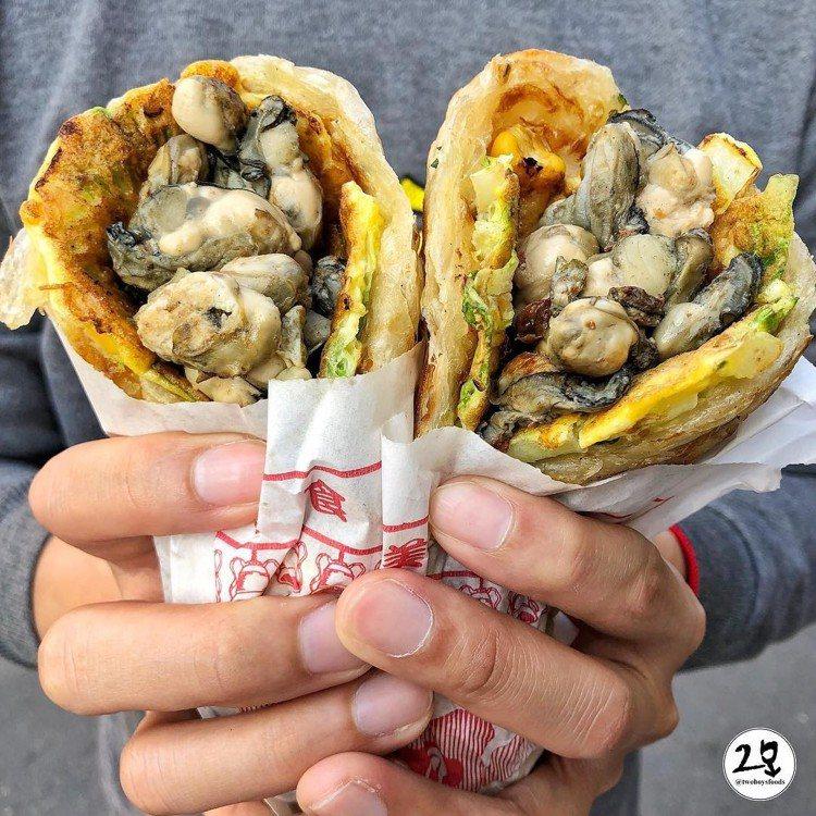 圖/滿滿鮮蚵的蔥抓餅,是IG的熱門打卡美食。網友twoboysfoods授權