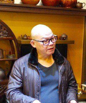 中國工藝美術百花獎金獎得主陳致杰。