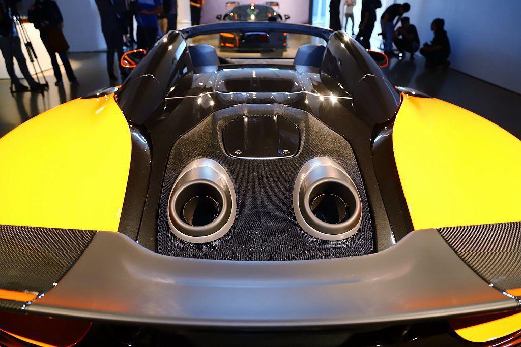 獨特的上排式尾管是McLaren LT車型特徵之一,McLaren 600LT ...