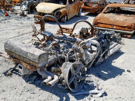 燒成廢鐵也能成交?因為它是Ferrari法拉利!