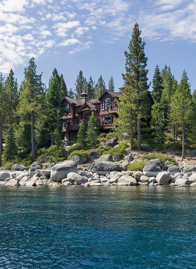 臉書執行長祖克柏據報導豪擲5900萬美元買下北加州太浩湖畔相鄰的兩處地產,而且還...