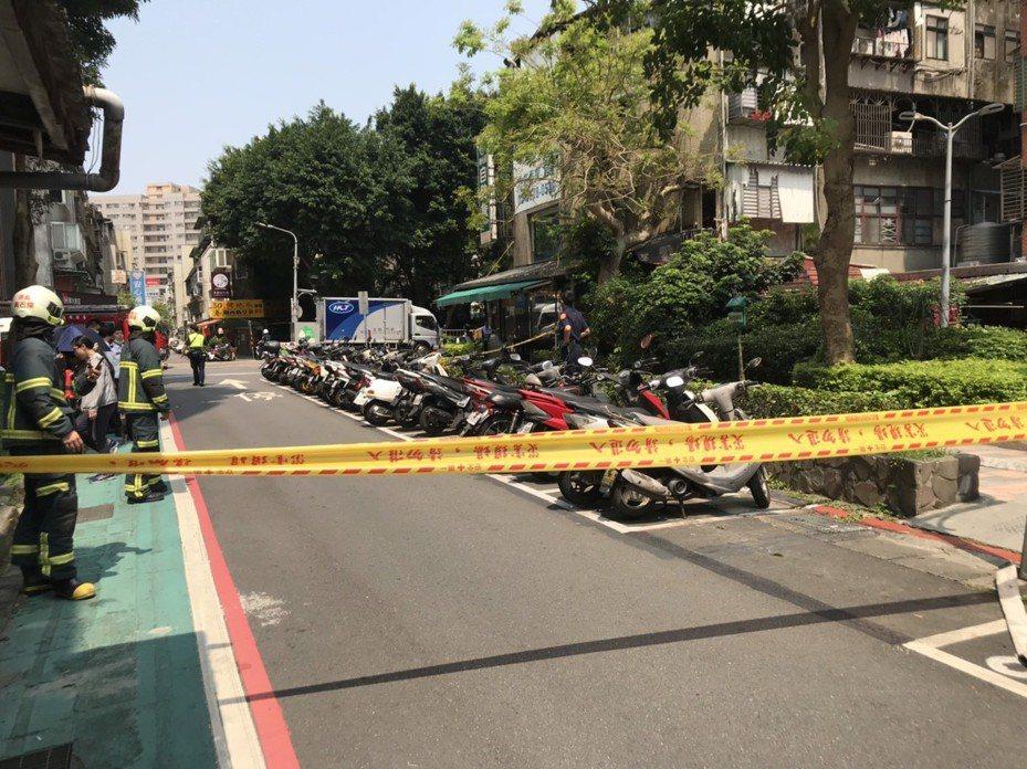 台北市信義區傳出有爆裂物,警方查出是羅姓男子酒後興起,夥同2名友人以遙控點燃器施放爆竹。記者李奕昕/翻攝
