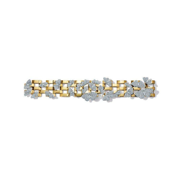 四季之彩高級珠寶系列,鉑金與18K金鑲嵌混合式切割鑽石飛蛾造型手環,約599萬元...