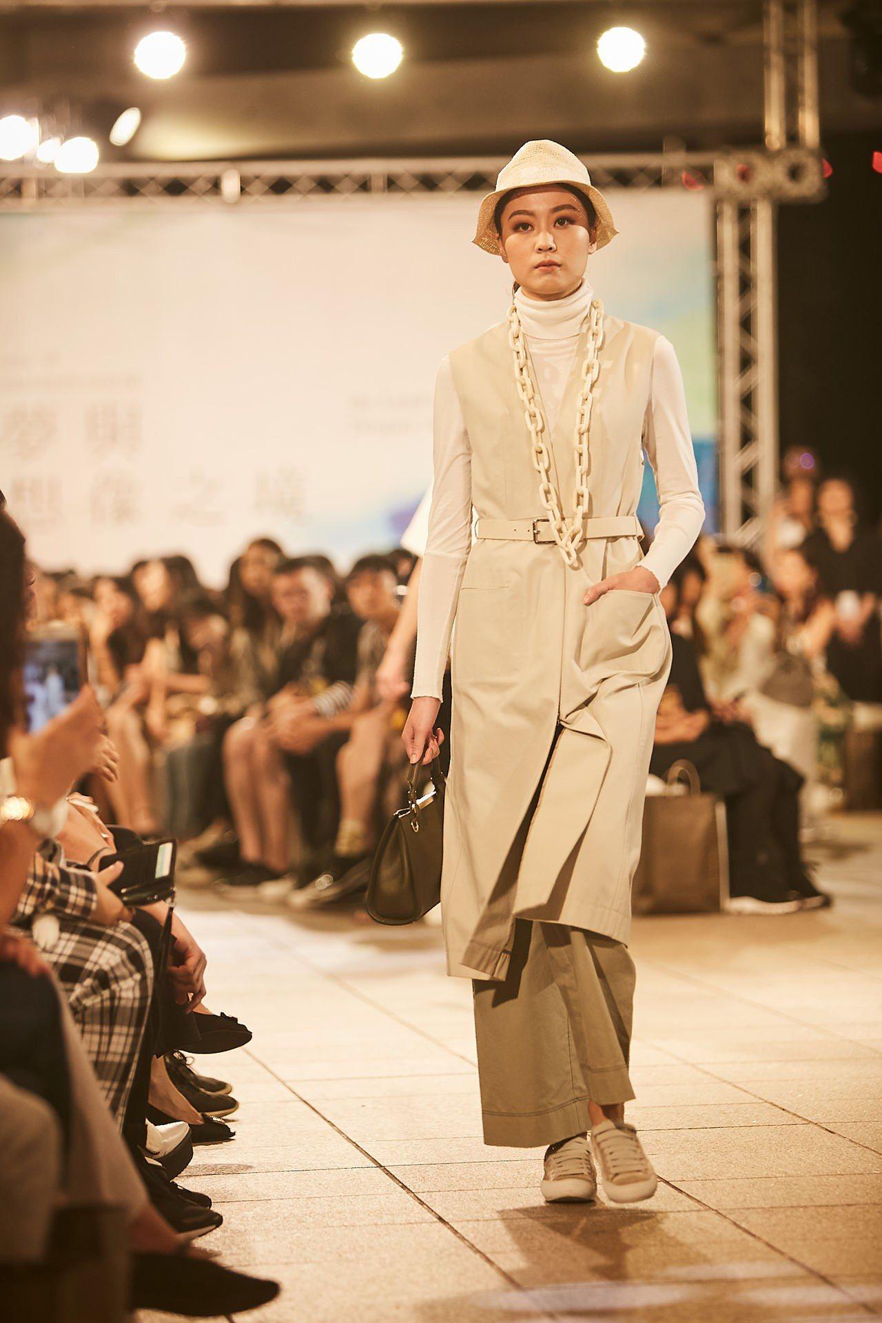 JAMEI CHEN演繹「Passenger」時裝,設計靈感來自於1985年電影...