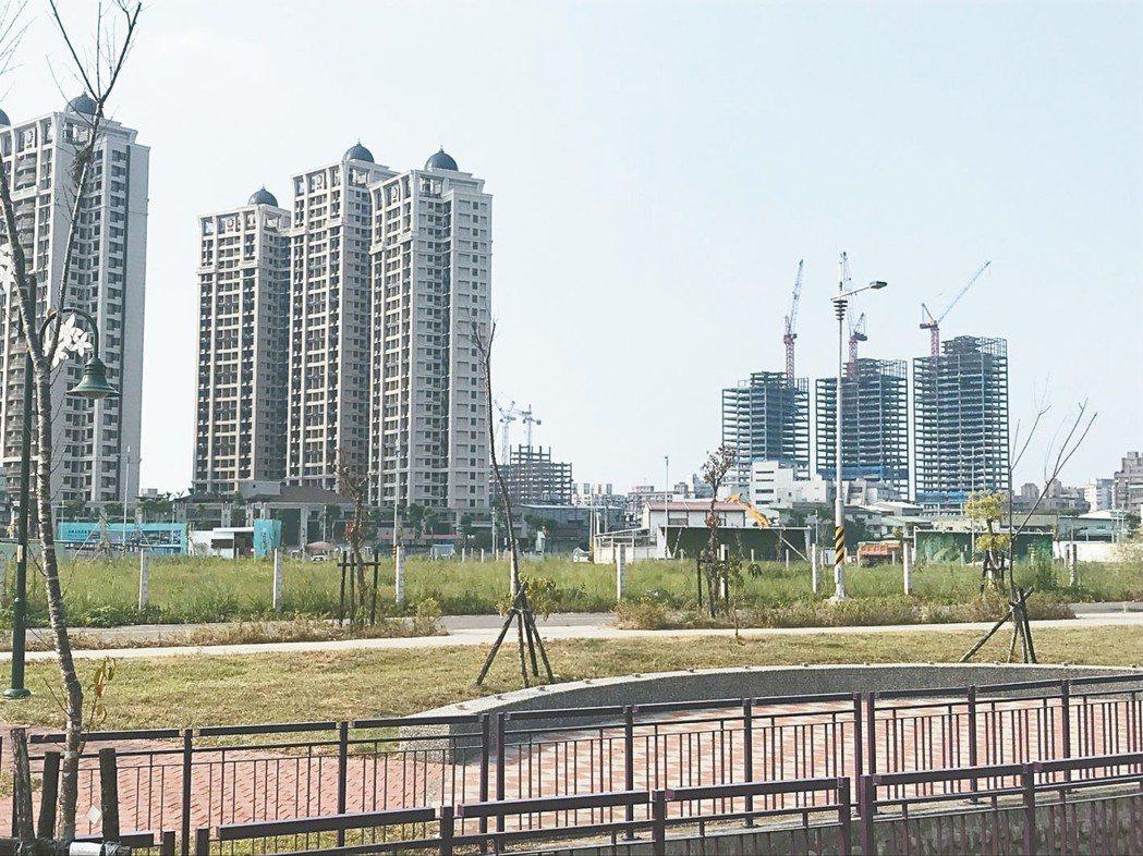 土城重劃區建案不少,住宅需求也大。 記者游智文/攝影