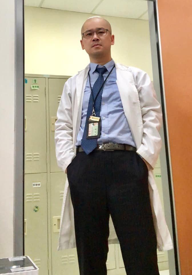 新竹馬偕醫院急診外科主任白永嘉。取自急診醫師的眼睛(白永嘉醫師)粉絲頁